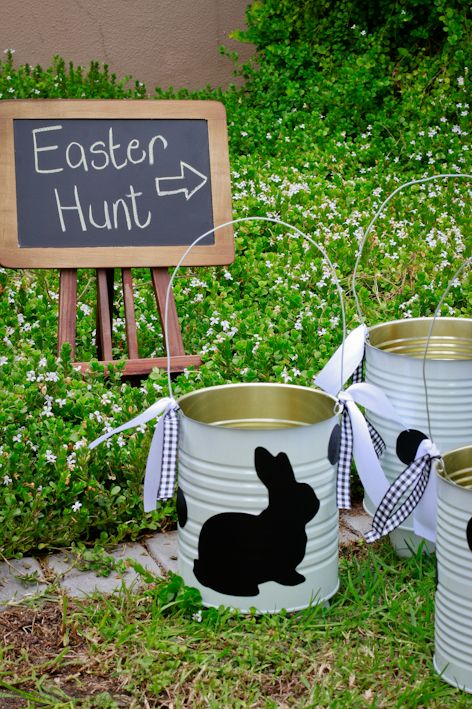 Easter is a few days away and I have a few tips to make your Easter egg hunt fun and simple.