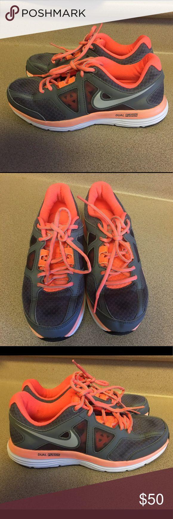 EUC Nike Dual Fusion Lite 2 MSL Womens Size 6.5 Pre-Owned Nike Dual Fusion Lite 2 MSL Womens 642826-007 Running Shoes Size 6.5 Nike Shoes Sneakers