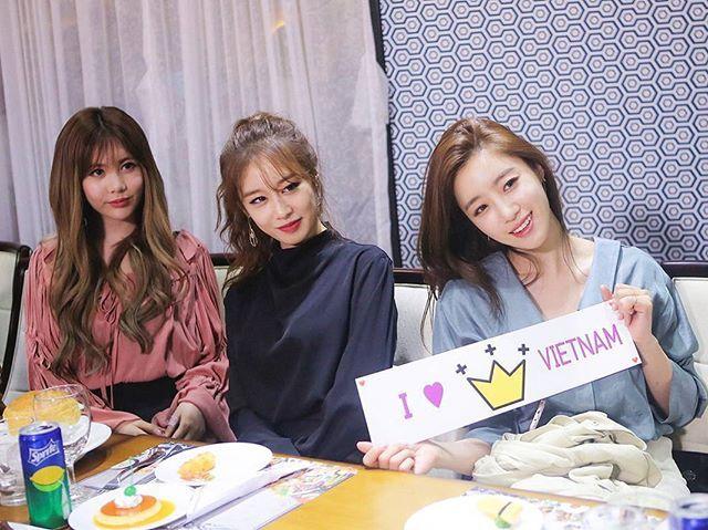 💕 👑 #T_ARA 👑 💕  @ V live year end in Vietnam  #hahmeunjung #parkjiyeon #parksoyeon #jeonboram #leeqri #parkhyomin #eunjung #jiyeon #soyeon #boram #qri #hyomin #tiara #tara