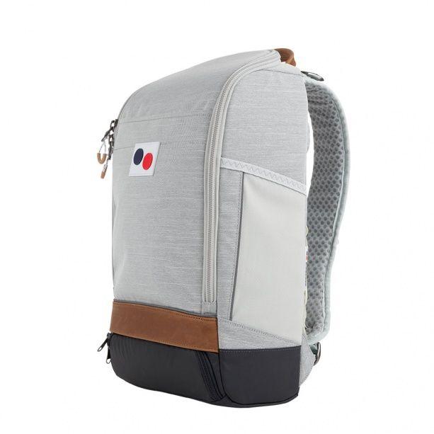 pinqponq hat den Cubik Large überarbeitet. Der kantige Rucksack ist jetzt noch geradliniger und funktionaler geworden. Der neue Look…