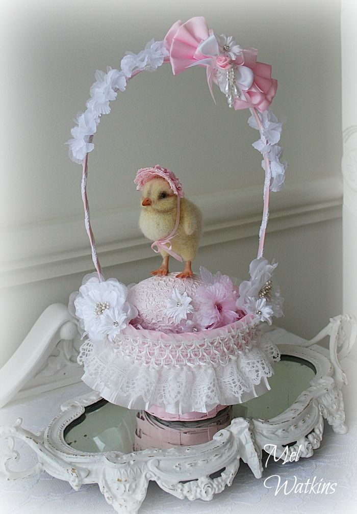 Pink & White shabby chic style easter basket and decorated egg i made for my little needle felted Easter chick <3