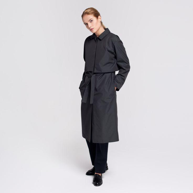 Miner Trench Coat Dark Green Elementy #miner #trench #coat #cupro #darkgreen #rainproof #elementy #polishfashion #classic #minimal #simplicity #plaszcz #trencz #ciemnazielen #przeciwdeszczowy #polskamoda #minimalizm #aw16