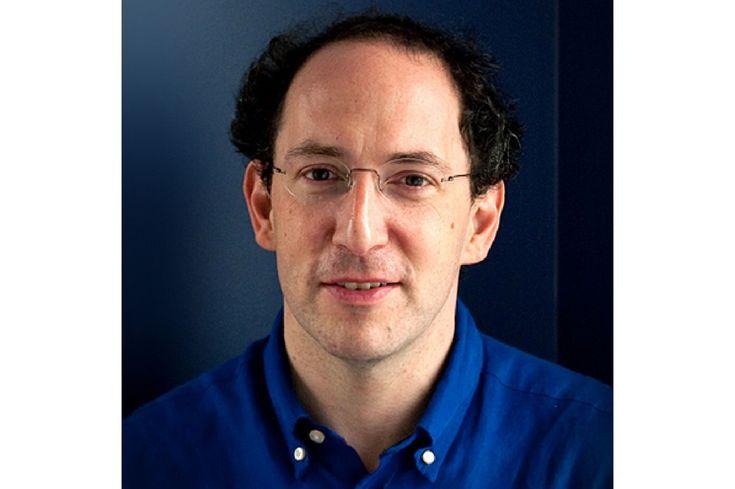 Las matemáticas que se aprenden en la escuela ya no son prácticas -- Conrad Wolfram es el físico que está revolucionando la educación matemática en Estonia. Para él, hacer cálculos a manos ya está mandado a recoger. Es momento de hacer uso de los computadores.