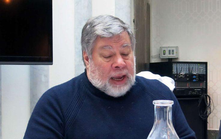 Steve #Wozniak var hjärnan bakom designen på Apples allra första datorer http://www.dn.se/ekonomi/apples-grundare-varnar-for-artificiell-intelligens/ .