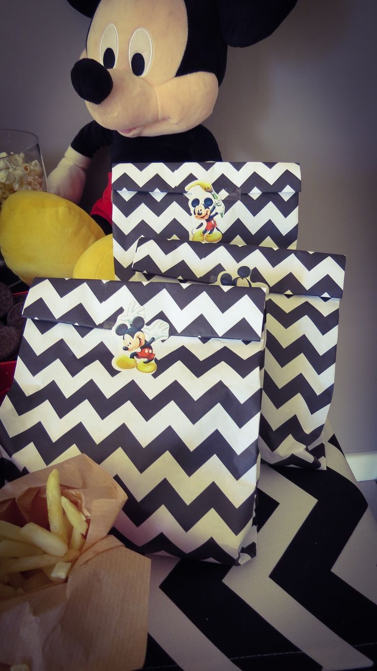 Chevron party bags