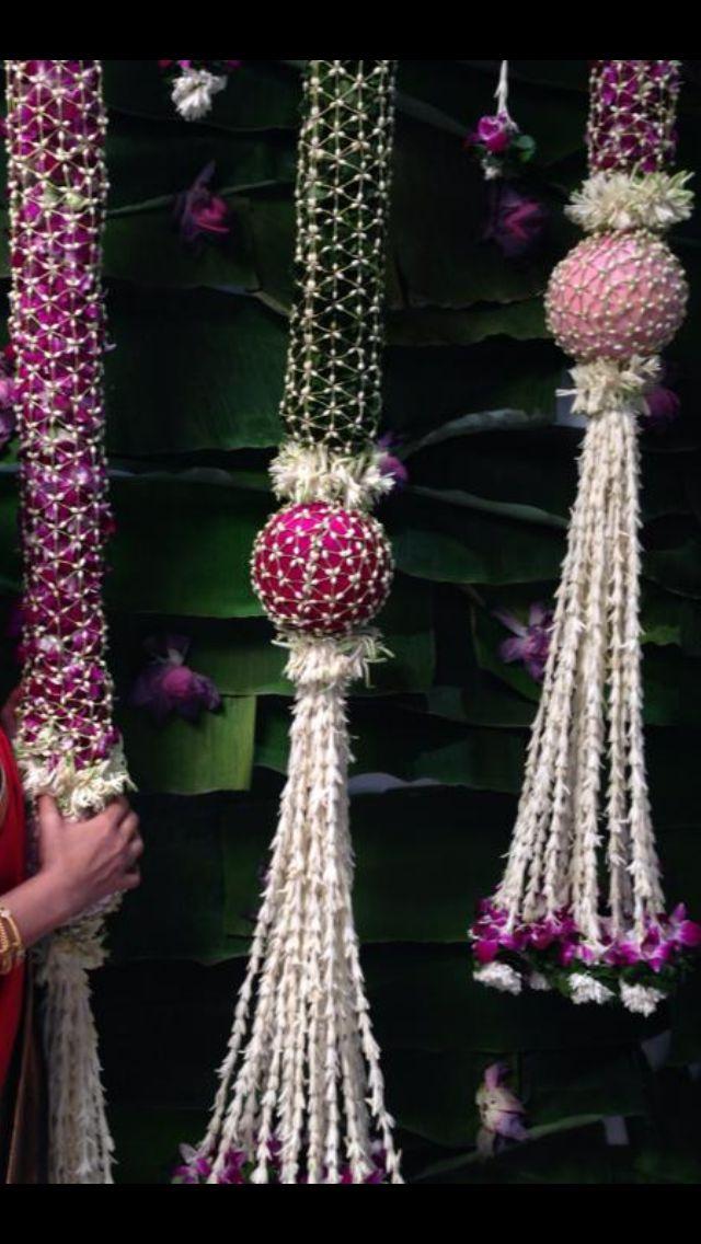 287 best garland images on pinterest floral wreath garland and garlands. Black Bedroom Furniture Sets. Home Design Ideas