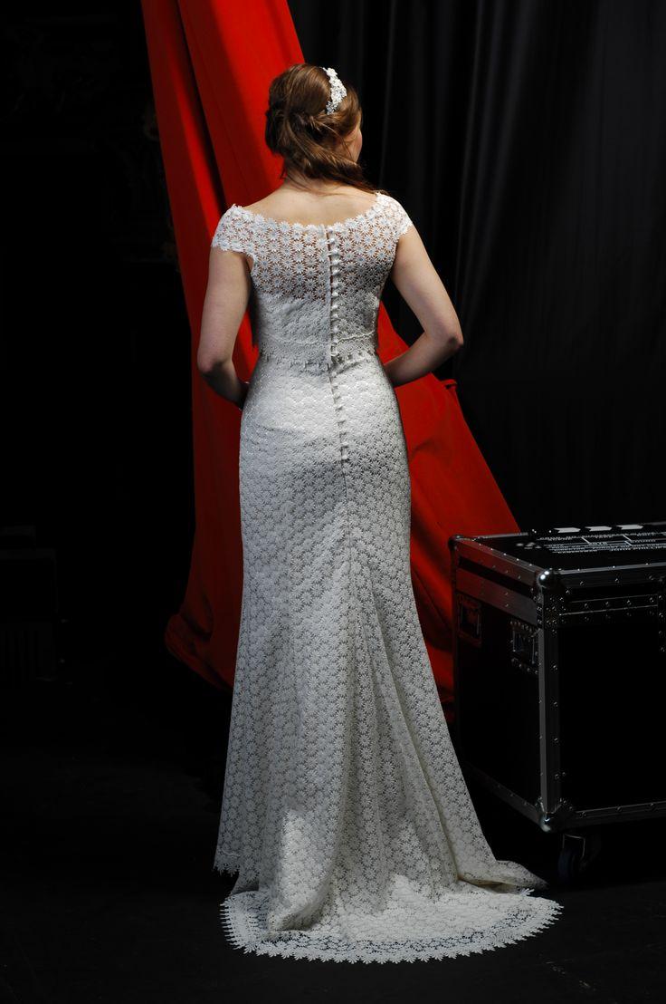 Helena in daisy lace