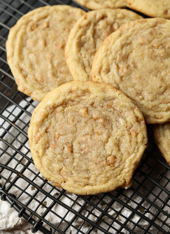 Butter Toffee Cookies … simple, rich and buttery. Possibly the perfect cookie! I am kinda-sorta obsessed with these cookies. They are ridiculously simple to make, while being completely packed with buttery goodness. And gasp! there is nary a chocolate chip to be found. The not-so-secret-ingredient is the Toffee Bits. Not the ones with chocolate on …