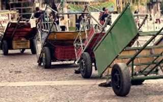 G1 - http://g1.globo.com/globo-news/estudio-i/videos/t/todos-os-videos/v/time-de-catadores-de-lixo-faz-coleta-seletiva-nos-12-estadios-do-mundial/3430431/