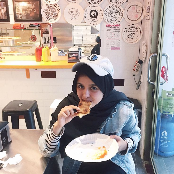 Pizza gurl #hijab #pizza #pizzaplease #ootd #style #fashion #denim #denimjacket