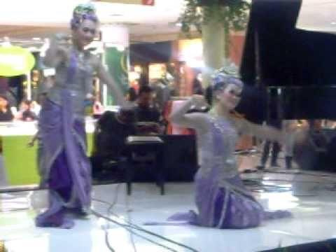 Rosalinda Enterprise. Sanggar Tari. Penari Tradisi. Bandung. badaya by rosalinda enterprise