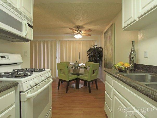 Oakview Apartments - Westlake Village, CA 91361   Apartamentos para alquilar