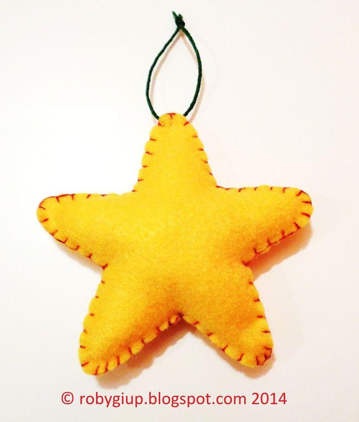 Stella di feltro imbottita: tutorial e template gratuito - Stuffed felt star: tutorial and free template - RobyGiup handmade #DIY #Christmas #ornament