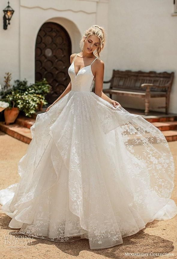 Cue Capes One Of The Most Popular And Unexpected Trends From This Past Bridal Runway S Wedding Dress Chiffon A Line Bridal Gowns Chiffon Wedding Dress Beach