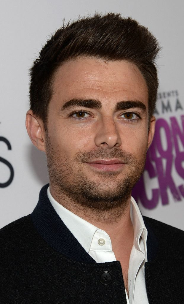 Browse 163 high-quality photos of Jonathan Bennett in this socially oriented mega-slideshow.  Updated: December 02, 2015.