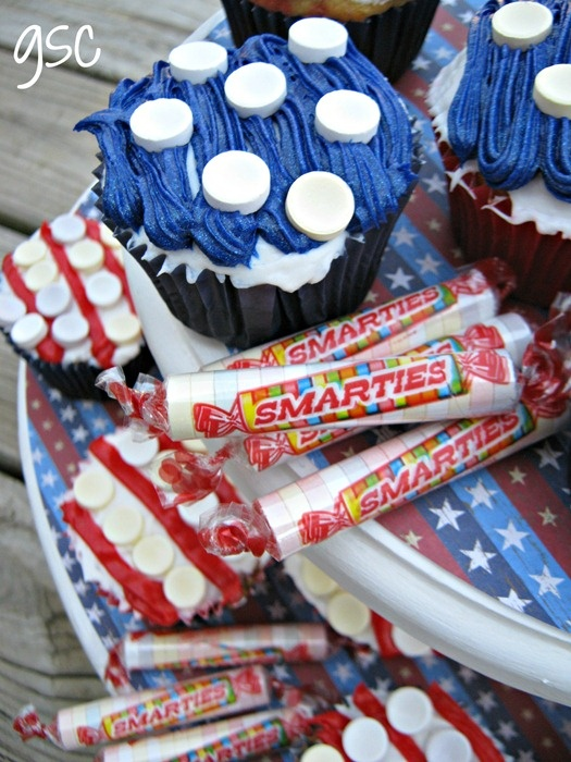 Red, White & Blue Cupcakes-inside and out! With Smarties! #IAmASmartie: Cupcake Tutorial, Blue Cupcakes Inside, Cupcakes Tutorials, Cupcakes Rosa-Choqu