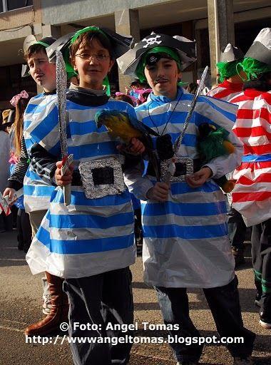 disfraz de piratas con bolsas de basura para disfraces http://www.multipapel.com/subfamilia-bolsas-basura-colores-para-disfraces.htm