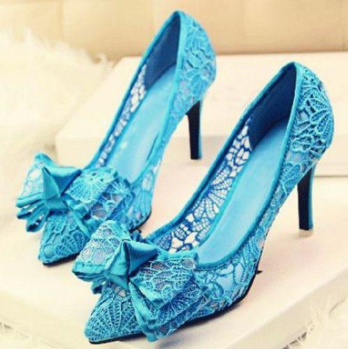 Синие туфли с бантом