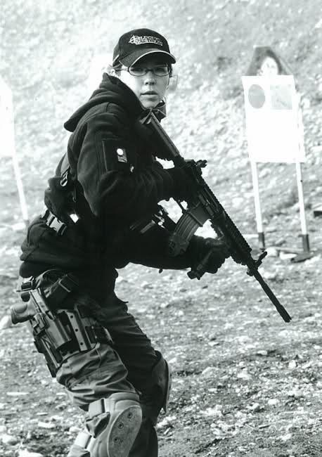: Girls Guns, Tats Guns Girls, Tactical Wife, Tat Guns Girls, Firearms Accessories, Weapons, Arm Woman, Arm Danger, Tactical Woman Sexy