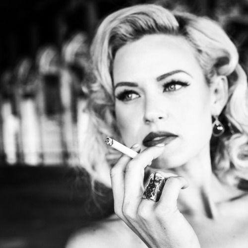 Modern day Marilyn Monroe Gia Genevieve wearing Tinguely Bijoux 18k Shield Ring. Photo by David Yarrow