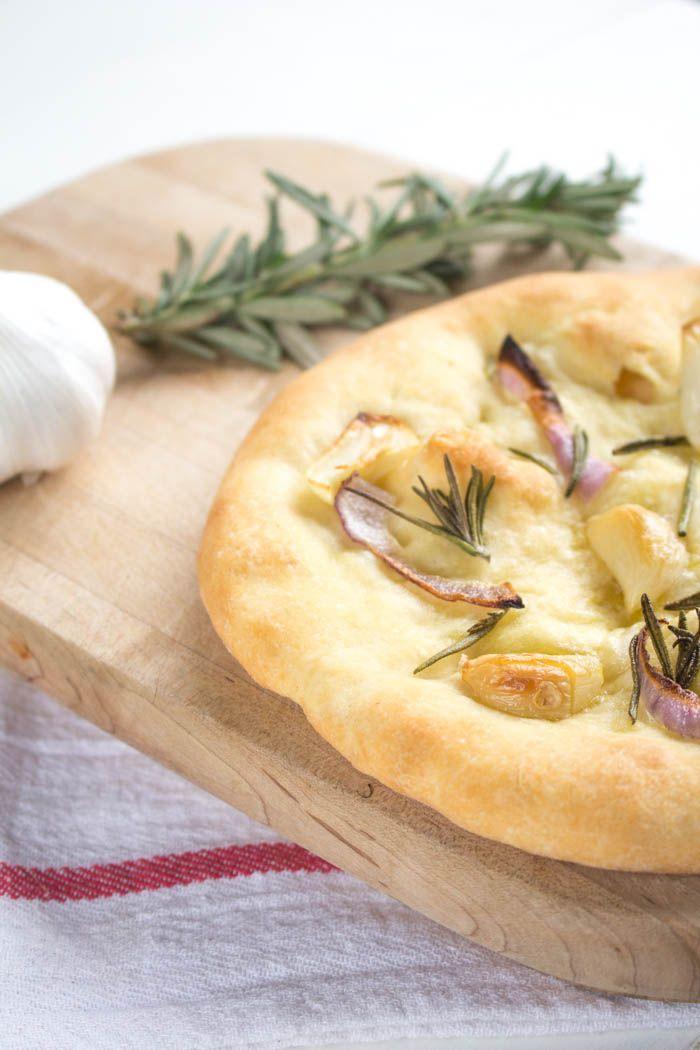 Garlic rosemary pizza