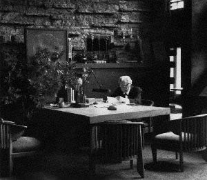 the life and career of frank lloyd wright Frank lloyd wright, born in 1867 near spring green, wisconsin, started his architectural career in chicago at the age of 19 in the firm of j lyman a russian dancer, with whom he would spend the rest of his life he adopted her daughter svetlana, and together they had a daughter named.