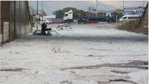 Massive Hail storm hits Joburg! 😮🌧️🌪️ #joburg #hailstroms https://www.timeslive.co.za/news/south-africa/2017-10-10-storm-pummels-joburg/
