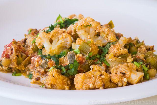 SABJI DE CHOU-FLEUR (Recette Indienne) Les Sabjis sont des recettes traditionnelles de la Cuisine Indienne à base de végétaux, subtilement relevées par un mélange d'épices, le Massala ...  J'affectionne tout particulièrement celui-ci, de Chou-Fleur et je vous invite à découvrir la richesse de ses saveurs : http://www.gourmet-vegetarien.com/sabji-chou-fleur-recette-de-l-inde/