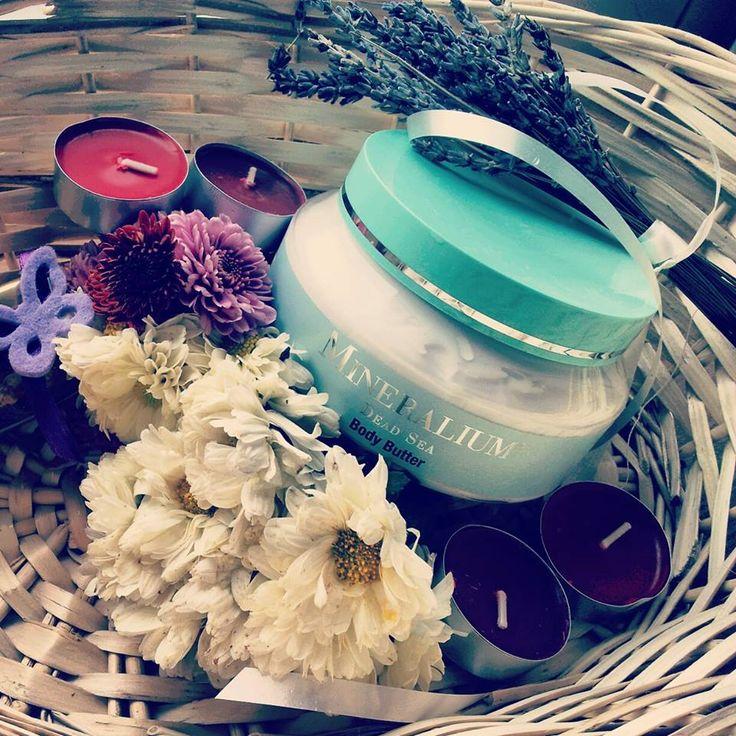 Arome de toamna cu lavanda si vanilie - Scrub-ul de corp din gama Mineral Therapy. http://mineralium.ro/ro/home/25-scrub-de-corp-cu-sare-de-mare-lavanda-mar.html