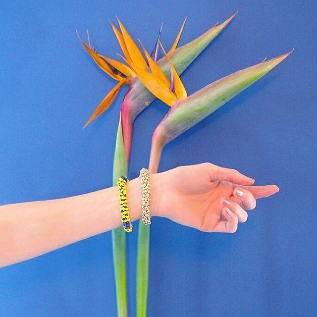 """{Atelier DIY}  Les 7 & 8 mai j'animerai un atelier """"Bracelet porte-bonheur"""" au #Klindoeil au #CarreauduTemple. Je vous apprendrai à tresser le coton ciré avec des perles pour réaliser votre bracelet d'inspiration ethnique. Quand ? Sam. 7 mai de 11h30 à13h30 - Dim. 8 mai de 16h à18h. Prix : 15€ Pour vous inscrire, envoyez-moi un mail à  lesgambettessauvages(a)gmail.com avec l'objet """"Atelier Klin d'Oeil""""."""