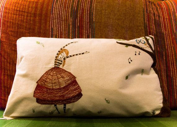 Decorative pillow - Thread drawing - Embroidered pillow - Artistic home decoration - 100% canvas - Modern Embroidery