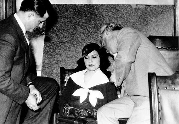 10 Female Gangsters You Should Know About | Mental Floss....How have I never heard of The Pretty Pants Bandit???