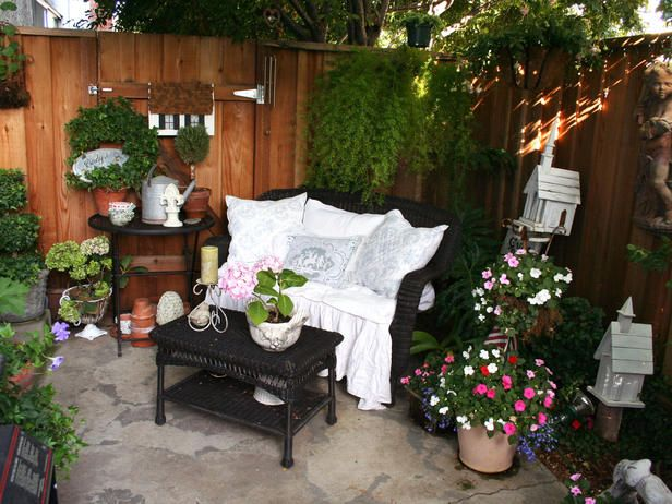 10 favorite rate my space outdoor rooms on a budget patio ideasoutdoor - Patio Decorating Ideas