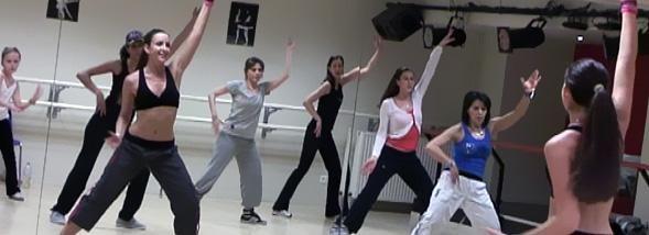 Nous avons testé – et filmé – la nouvelle danse qui déchaîne les salles de sport.