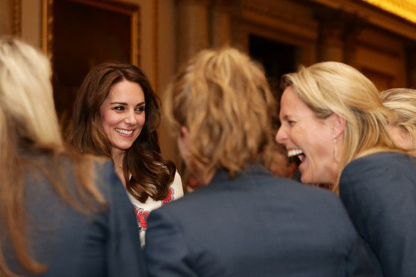 Kate Middleton Photos Photos - Catherine, Duchess of Cambridge meets athletes at a reception for Team GB's 2016 Olympic and Paralympic teams hosted by Queen Elizabeth II at Buckingham Palace October 18, 2016 in London, England. - Olympics & Paralympics Team GB - Rio 2016 Victory Parade