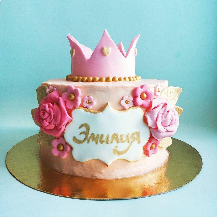 С добрым утром! Чернично-малиновая мимишность) #тортдлядевочки #тортспб #торт #тортдляпринцессы #принцесса #корона #коронумнекорону #красиво #розовый #розы #золотой #деньваренья #деньрождения #детскийторт #cake #princesscake #foodpic #desserts #sweet #delicious #prettyinpink #pink #crown #royal #gold #roses
