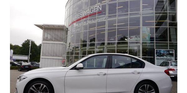 BMW 318d Limousine Modell Sport Line ist der Inbegriff der sportlichen Limousine. Jetzt im Gebrauchtwagen Leasing bei fleetkonzept Heide GmbH
