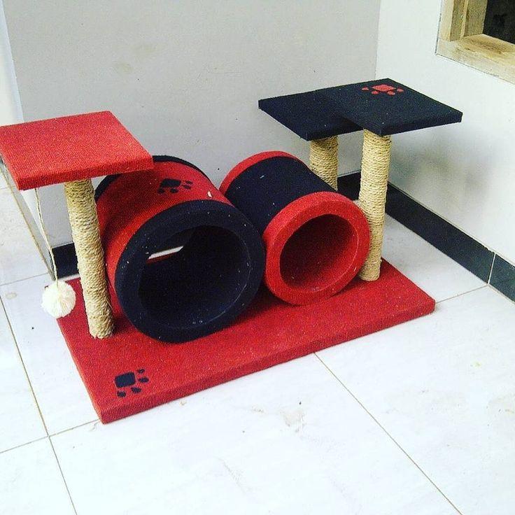 CAT CONDO Mainan kucing cakaran/garukan kucing ( cat scratching/cat tree/cat toy )  Kode JC 23 ukuran tinggi: 50cm lebar:50x80cm Harga Rp.1.850.000  Kami menerima pemesanan CUSTOM ( mengikuti design keinginan anda atau dari design kami )  Hubungi kami :  JL: Aselih Rt:10 Rw:01 Cipedak-Ciganjur Jagakarsa Jakarta-Selatan 12630 No:72 Telp: 087882372643 (Whatsapp)- PIN BB 24E4F059-Line: shine_art3  Diproduksi oleh:  Shine art Production  #catshow #cattery #catcabin #thecatcabinjakarta #catlover…