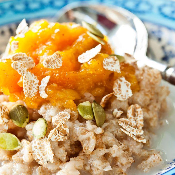 Gröt kan vem som helst laga. Med en lättfixad aprikoskompott till blir frukosten något extra.