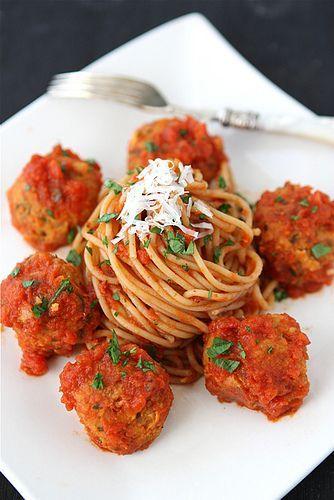 "Cannellini Bean Vegetarian ""Meatballs"" with Tomato Sauce #veggie #meatballs #recipe"