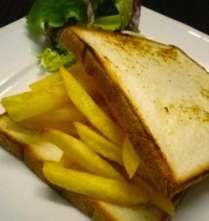 イギリス流フライドポテトサンドイッチ チップバティ