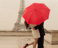 Wedding Ideas / Sweet Paris Honeymoon Photo Shoot