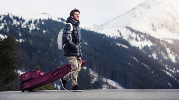 Most soft-case ski bags are terrible. Even if they have wheels, they're shapeless oversized sacks. Dragging them through airports and train stations is like towing a lethargic gator by the tail. Thankfully the Douchebag Snowroller solves all these problems