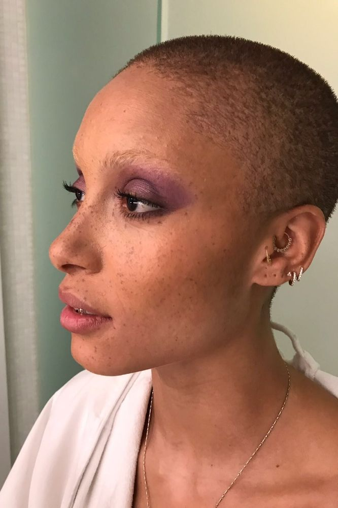 How To Do Your Makeup Like You Re Model Of The Year Adwoa Aboah Holiday Makeup Looks Makeup