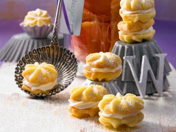 Zitronenküsschen Nachgebacken: für die Kreme sind 125g Butter viel zu viel, hälfte ist mehr als ausreichend. Fazit: sehr Gut!