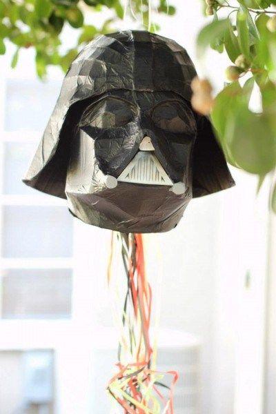 Pinata pour anniversaire Star Wars - Dark Vador - Tapez le méchant !!!
