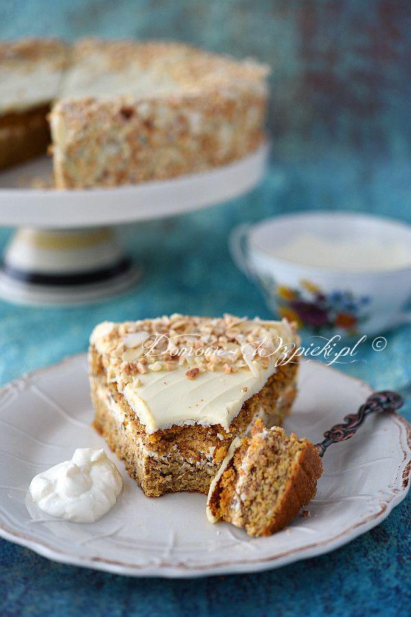 Tort marchewkowy z białą czekoladą