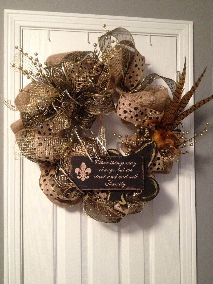 Burlap wreath- classy but fun