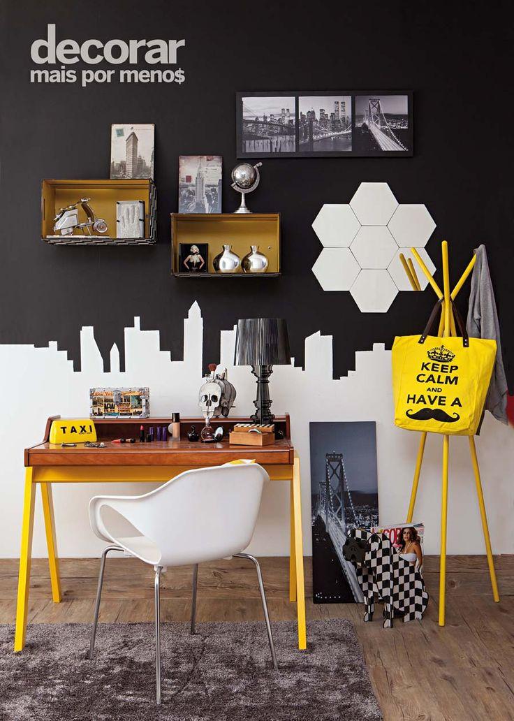 Revista Decorar Mais por Menos - Aposte em móveis com dupla funcionalidade. Aqui, a escrivaninha também serve como penteadeira!