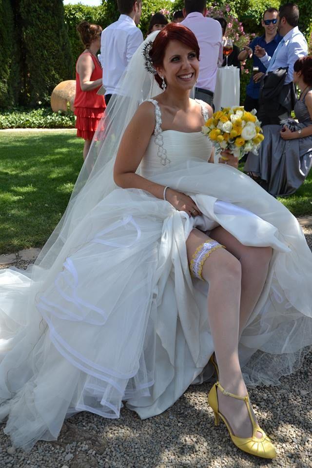 Preciosa estaba Irene el día de su boda con sus zapatos de novia enepe: modelo Catalina en amarillo!